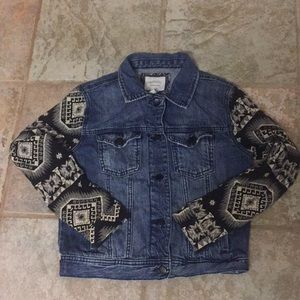 Forever21 Jean jacket with printed sleeves. Size S